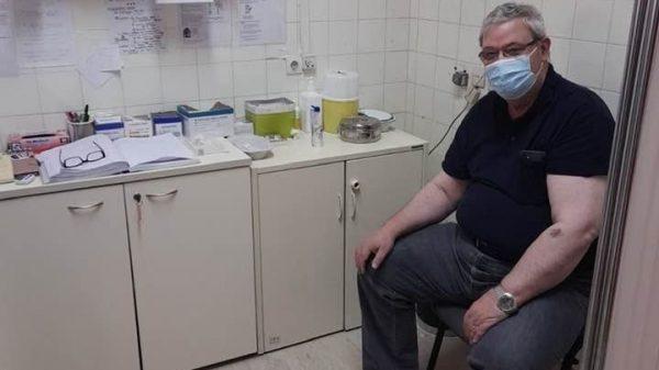 Καχριμάνης - έκανε την πρώτη δόση του εμβολίου