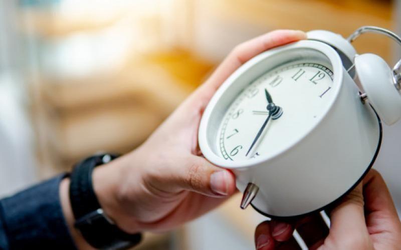 Αλλαγή ώρας 2021 - Πότε γυρίζουμε τα ρολόγια μας πίσω;